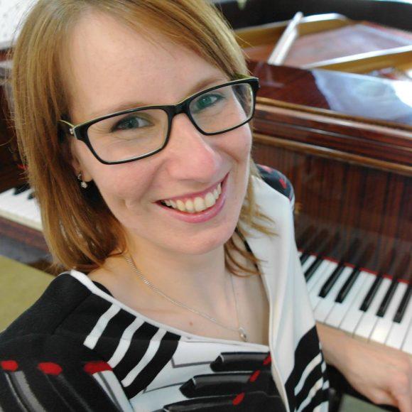 Mgr. Monika Velacková