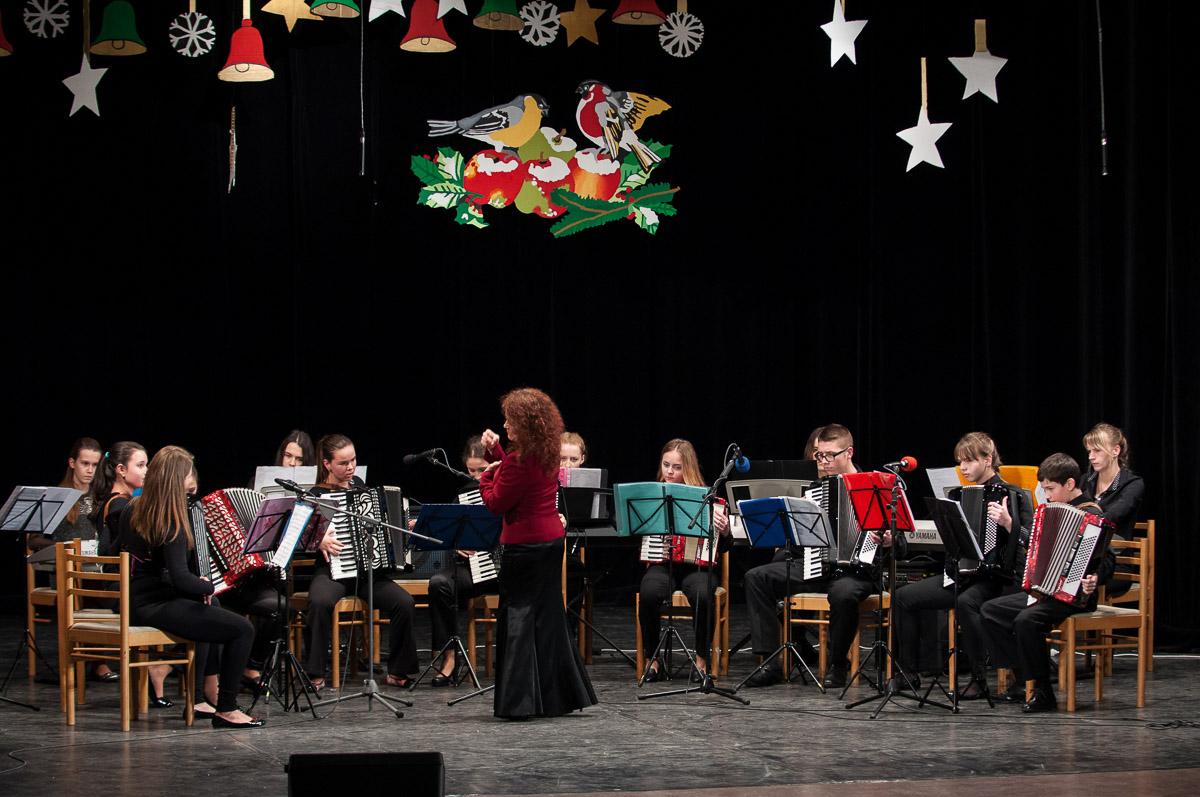 Koncert Vianoce, čas zázrakov. Základná umelecká škola Dubnica nad Váhom.