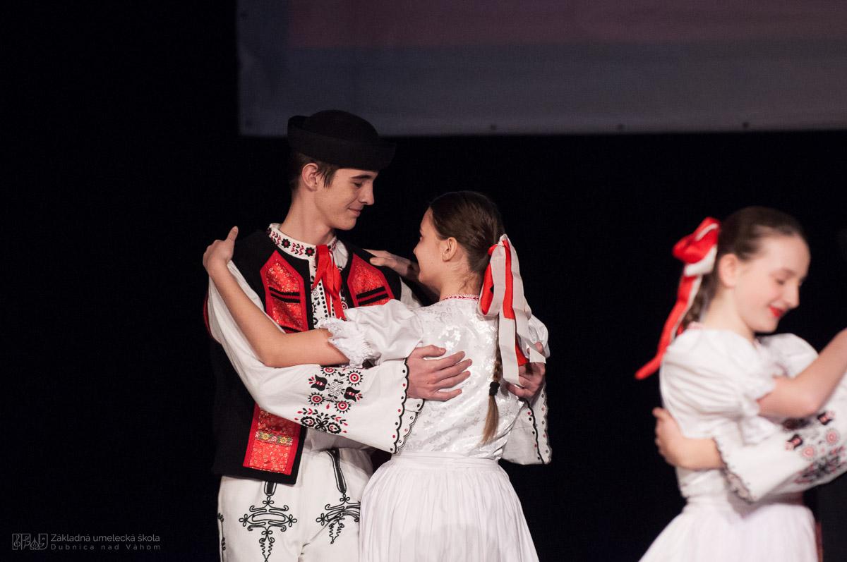 ZUŠ Dubnica nad Váhom. Hraj, spievaj a tancuj. Spolu nám to ladí...