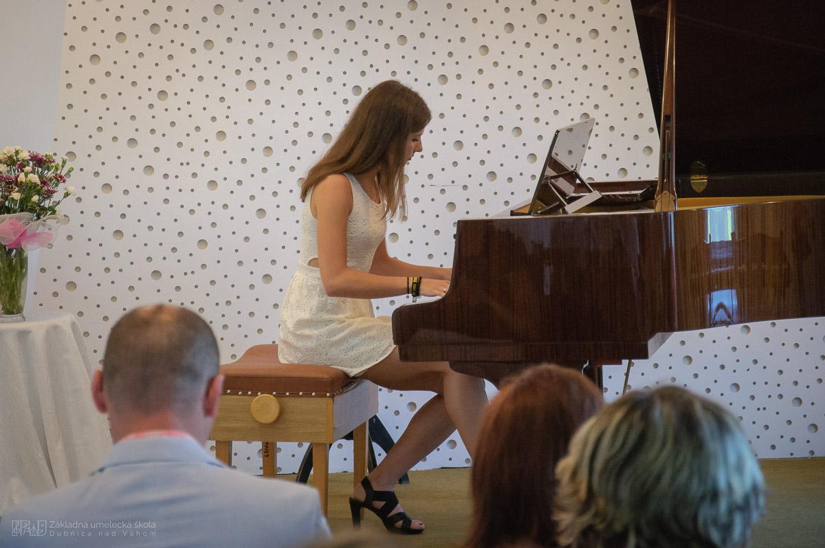 ZUŠ Dubnica nad V8hom_Absolventský koncert 2016