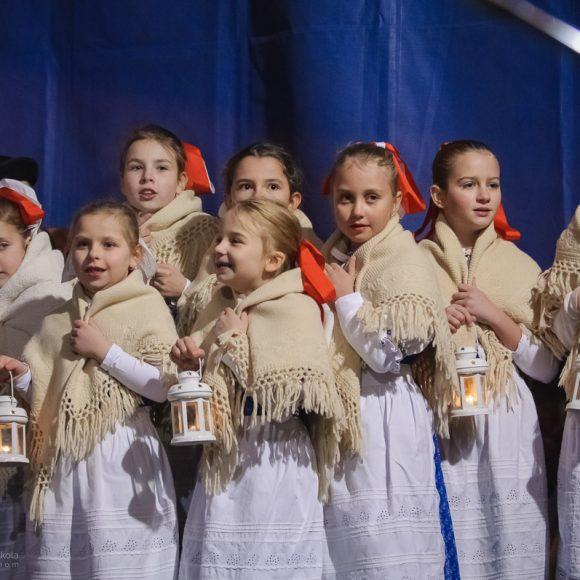 DFS Prvosienka na zapaľovaní II. adventnej sviečky