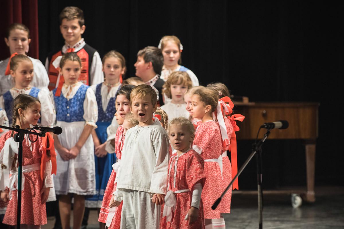 ZUŠ Dubnica nad Váhom_Od Lucie do Vianoc, vianočný koncert 2017