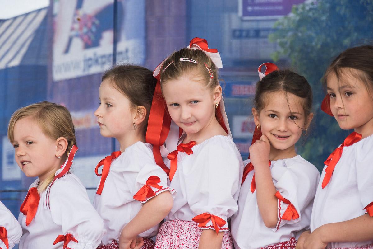 ZUŠ Dubnica nad V8hom_Prvomájový koncert na námestí Matice slovenskej