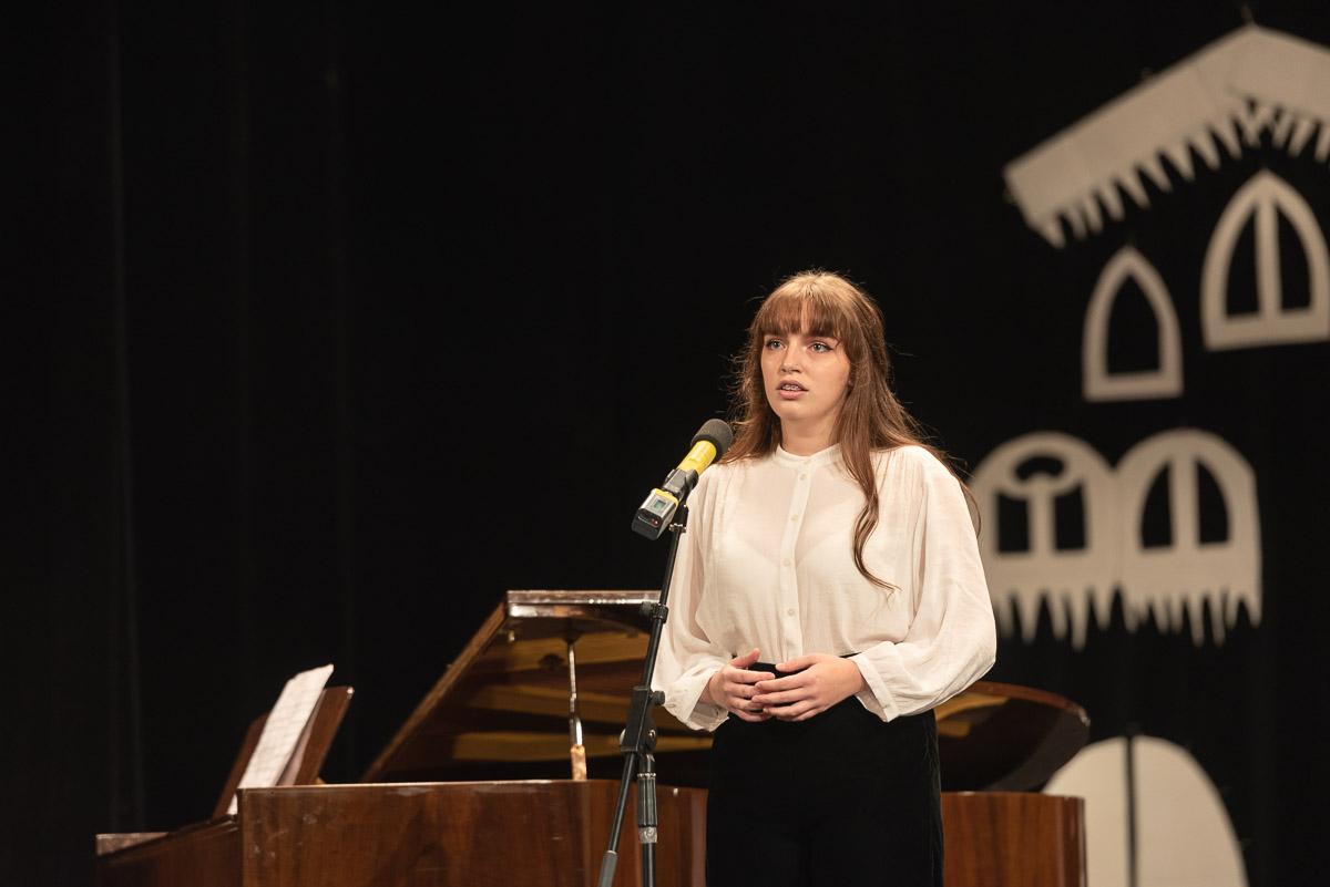 ZUŠ Dubnica nad Váhom. Koncert Anjel Vianoc.