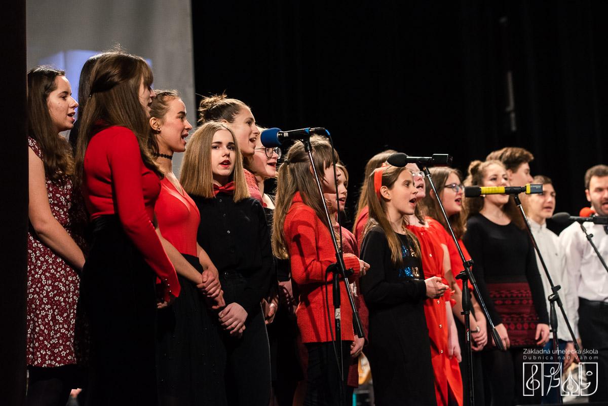 ZUŠ Dubnica nad Váhom. Koncert súborov a súborových telies školy, rok 2019