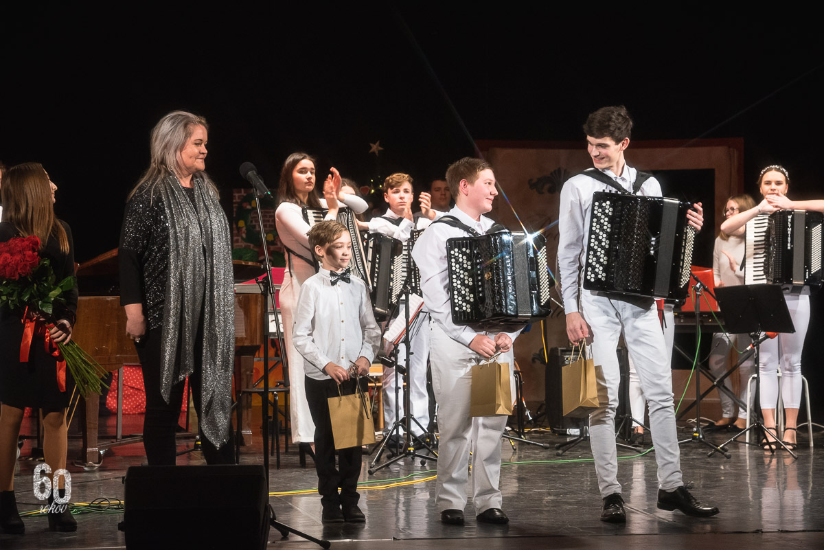 Vianočný koncert Základnej umeleckej školy Dubnica nad Váhom s názvom Rozprávkové Vianoce